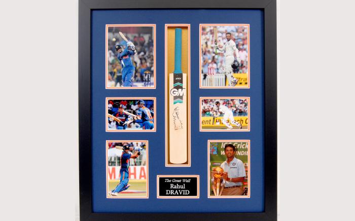 Rahul Dravid signed display